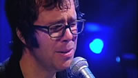 Ben Folds grimaces his way through 'Landed' on Last Call with Carson Daly